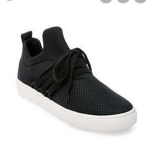 Steve Madden Lancer sneaker black size 3
